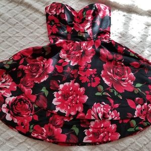 Black/DPRed Flower Dress